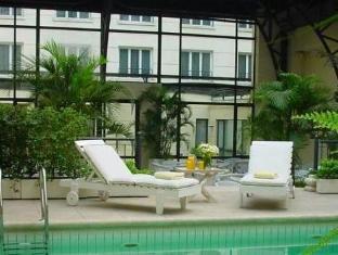 โรงแรมลอยสวีทเรคอเลตา บัวโนสไอเรส - สระว่ายน้ำ