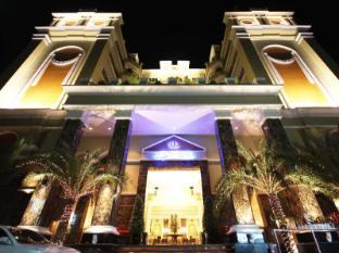 LK Renaissance Hotel Pattaya - Entrance