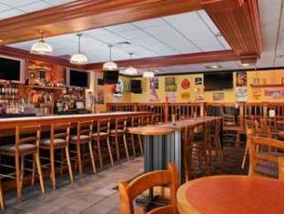Ramada Inn Bradley Hotel Windsor Locks (CT) - Pub/Lounge