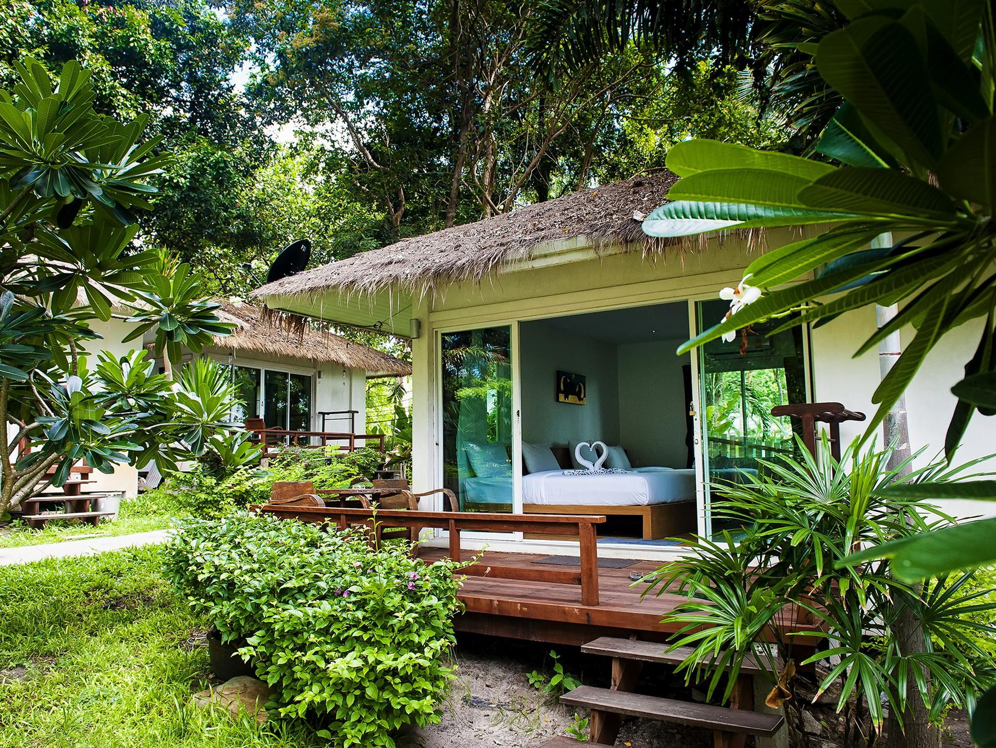 Larissa Samet Resort - Hotels and Accommodation in Thailand, Asia