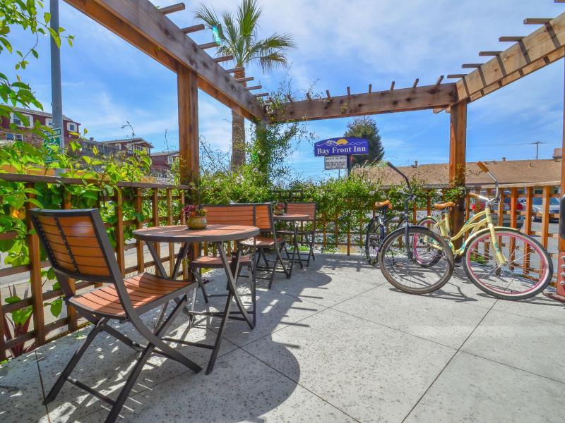 Bay Front Inn - Downtown Santa Cruz