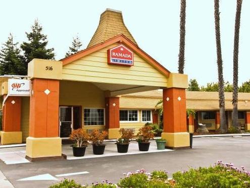 Ramada Limited Santa Cruz Water Street Hotel