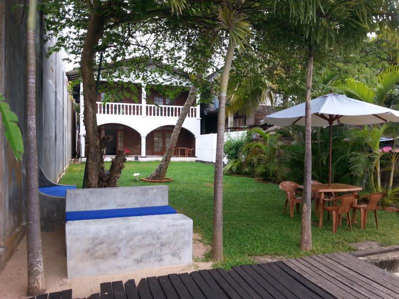 Cherry Lodge Bentota - Hotels and Accommodation in Sri Lanka, Asia