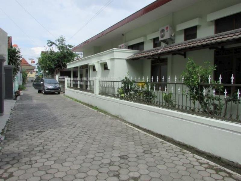 Guest House Griya Jambu 20 - Hotels and Accommodation in Indonesia, Asia