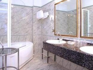 La Pace Hotel Pisa - Bathroom