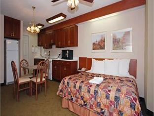 Sleep Inn Sumter (SC) - Suite Room