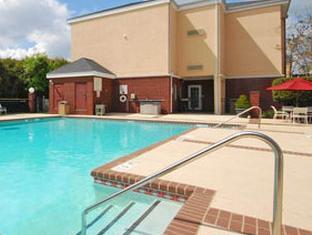 Sleep Inn Sumter (SC) - Swimming Pool