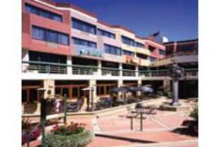Courtyard By Marriott Fishermans Wharf Hotel