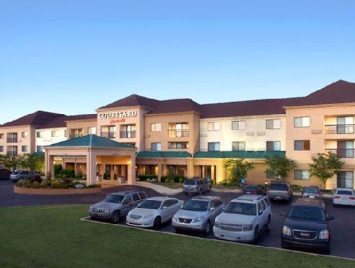 Courtyard By Marriott Tupelo Hotel
