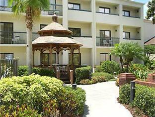 Courtyard By Marriott Orlando Airport Hotel