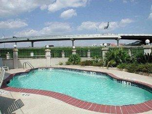 Holiday Inn Express Houston-Nw Brookhollow Hotel Houston (TX) - Pool