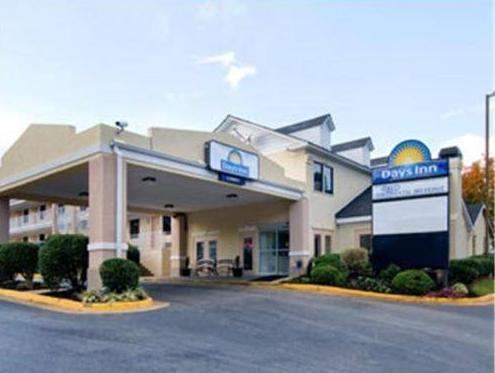 Days Inn Airport Best Road Hotel