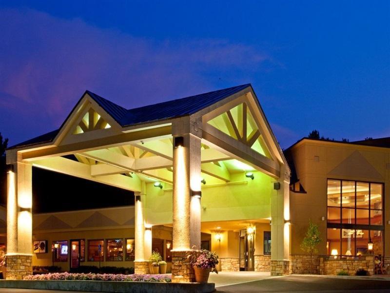 Holiday Inn Lake George Hotel