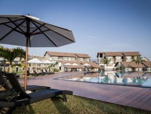 CALM RESORT AND SPA
