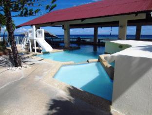 Ocean Bay Beach Resort Себу - Басейн