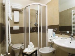 Crosti Hotel Rome - Bathroom