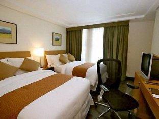 Crown Regency Hotel Makati - Room type photo
