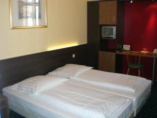 Hotel Tourist Frankfurt am Main - Guest Room