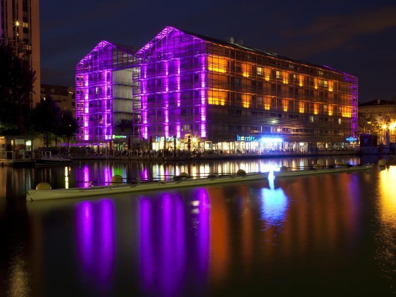 Holiday Inn Express Paris-Canal De La Villette - Hotell och Boende i Frankrike i Europa