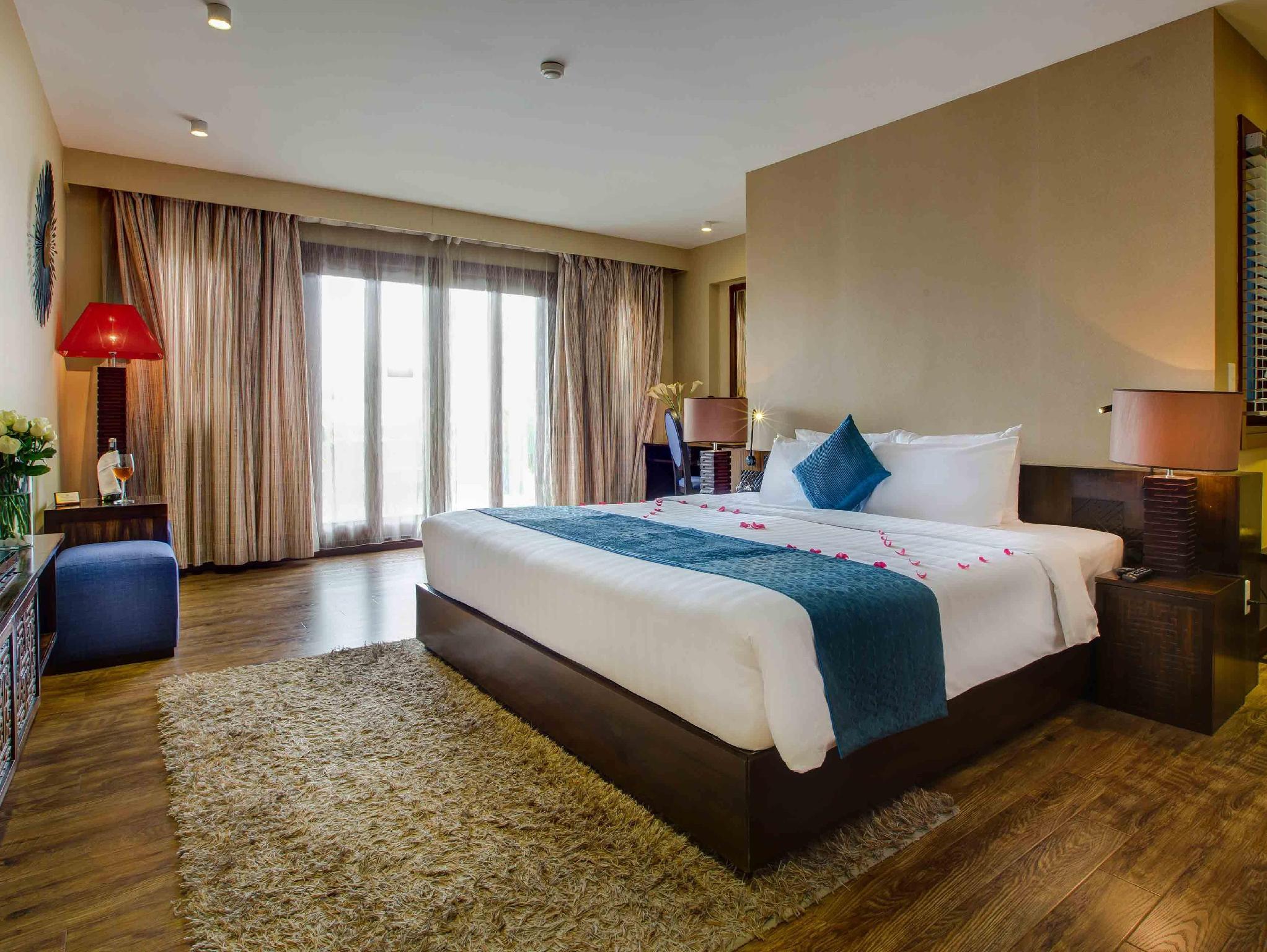 Hotell Serenade Hotel