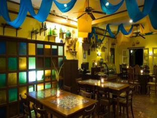 Puerto Del Sol Resort Bolinao - Food, drink and entertainment