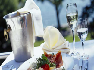 Beehive Nalahiya Maldives Hotel Male City and Airport - Food, drink and entertainment