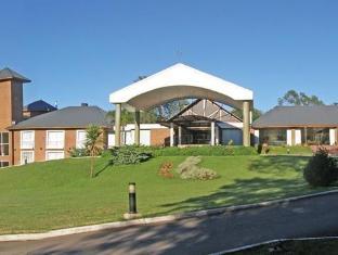Howard Johnson Inn Villa General Belgrano Hotel