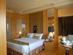 Chakungrao Riverview Hotel Kamphaengphet - Junior Suite