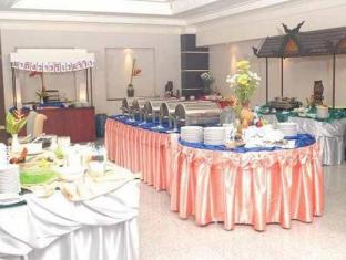 Chakungrao Riverview Hotel Kamphaengphet - Buffet