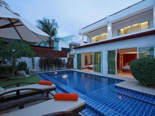 La Flora Resort Patong Phuket - Beachfront Grand Pool Villa