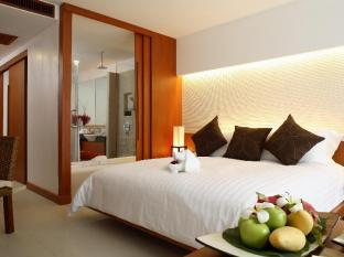 La Flora Resort Patong Phuket - Deluxe Pool Access