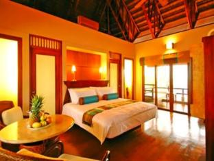 Eskaya Beach Resort and Spa Bohol - King Bed