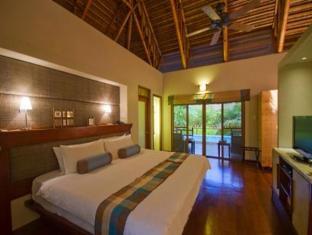 Eskaya Beach Resort and Spa Bohol - Huvila