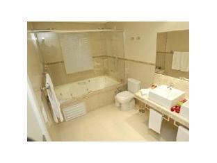 Slaviero Suites Joinville Hotel Joinville - Bathroom