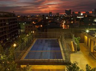 Herald Suites Hotel Manila - Swimming Pool