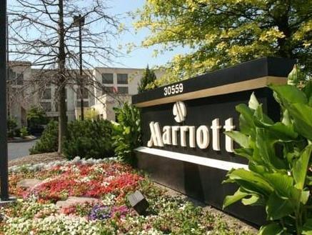 โรงแรมดีทรอยแอร์พอร์ทแมริออท