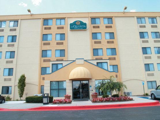 La Quinta Inn & Suites Baltimore North Hotel