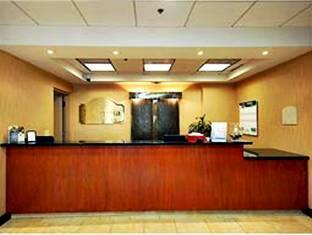 La Quinta Inn And Suites Thousand Oaks Newbury Park Newbury Park (CA) - Front Desk