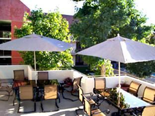 La Quinta Inn And Suites Thousand Oaks Newbury Park Newbury Park (CA) - Patio Sitting Area
