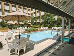 Sheraton Greensboro At Four Seasons Hotel Greensboro (NC) - Swimming Pool