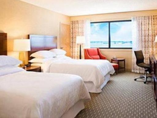 Sheraton Hartford Hotel at Bradley Airport hotel accepts paypal in Windsor Locks (CT)