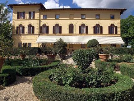 Villa Scacciapensieri Hotel