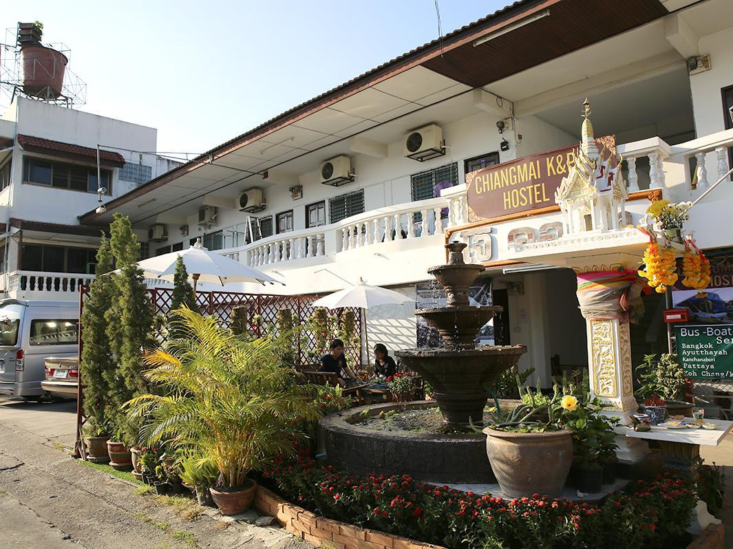 Mr whisky guest house old city chiang mai thailand for Classic house chiang mai