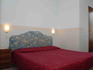 Hotel Capri Rome - Guest Room