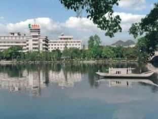 Ronghu Lake Hotel