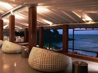 Vivanta by Taj - Fort Aguada North Goa - SFX Bar & Lounge