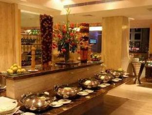 Savannah Hotel Bengaluru / Bangalore - Buffet at Savvy - Multi Cuisine Restaurant