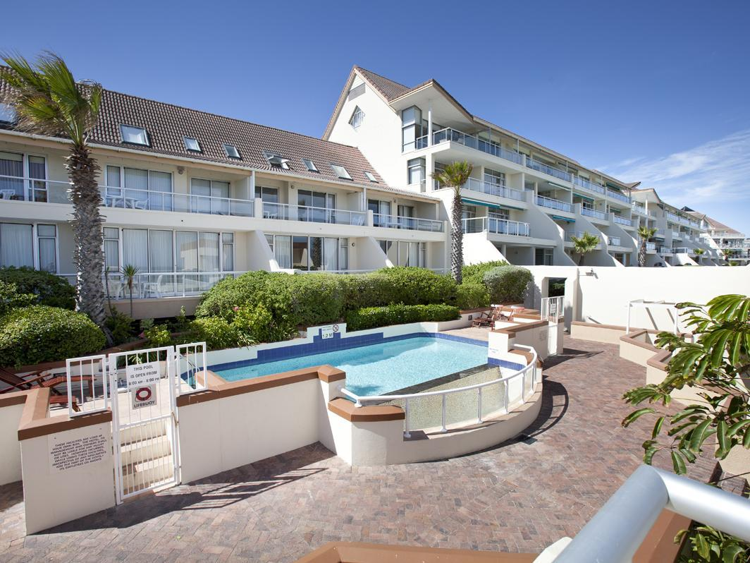Dolphin Beach Hotel Cape Town - Swimming pool