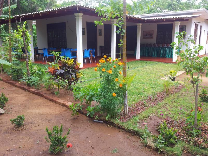 Homely Guest House - Hotels and Accommodation in Sri Lanka, Asia