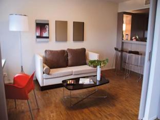 Only Suites Charles De Gaulle Paris - Guest Room